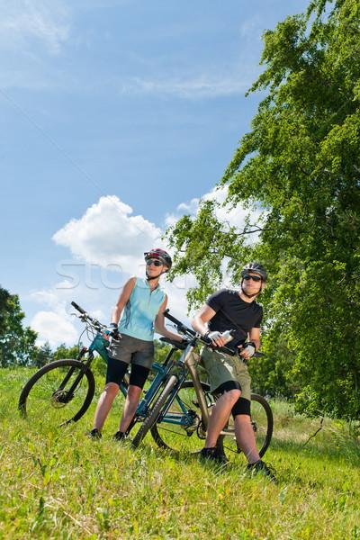 Spor dağ bisikleti çift dinlenmek mutlu Stok fotoğraf © CandyboxPhoto