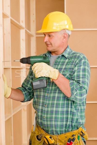 Stockfoto: Klusjesman · home · improvement · werken · schroevendraaier · muur · home