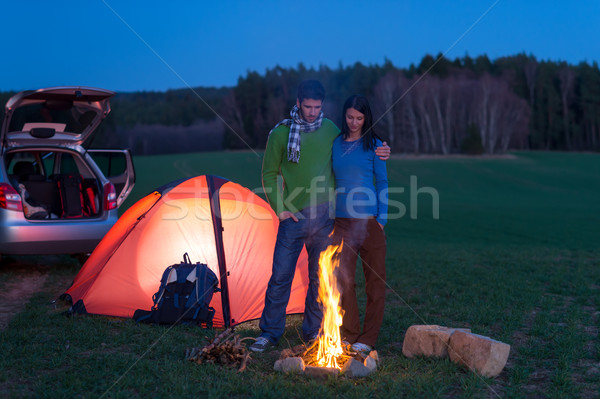 Tent camping auto paar stand vreugdevuur Stockfoto © CandyboxPhoto
