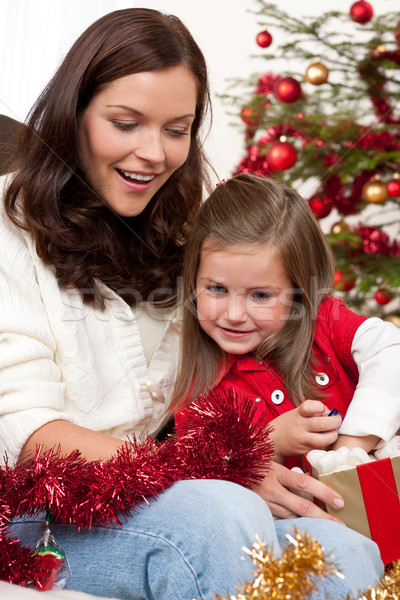 Сток-фото: матери · ребенка · открытие · настоящее · Рождества · семьи