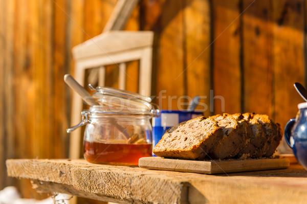 Inverno café da manhã fora casa de campo pão Foto stock © CandyboxPhoto