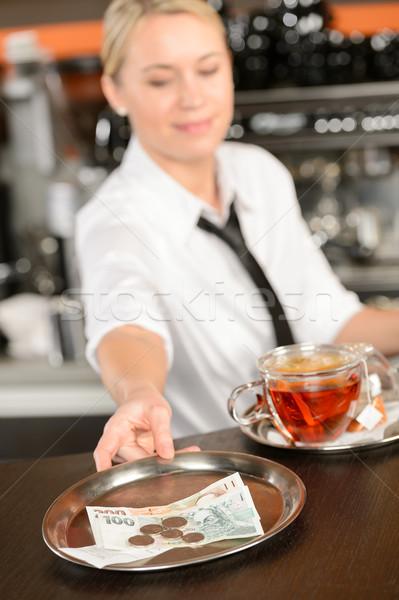 Séduisant serveuse pointe bar plateau Photo stock © CandyboxPhoto
