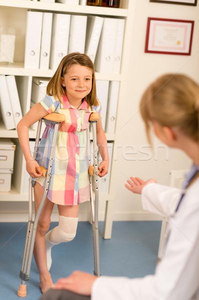 Gyermekorvos kislány mankók láb áll műtét Stock fotó © CandyboxPhoto