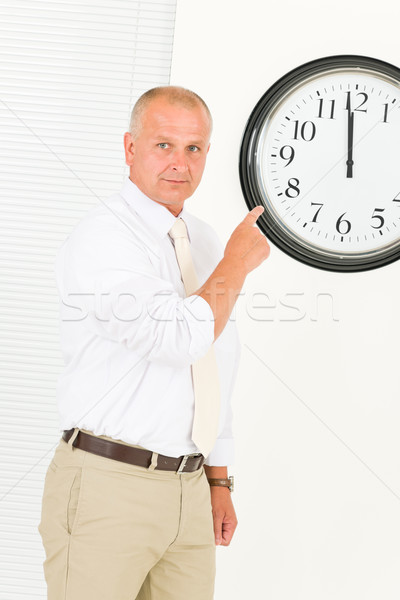 Stipt zakenman volwassen punt klok senior Stockfoto © CandyboxPhoto
