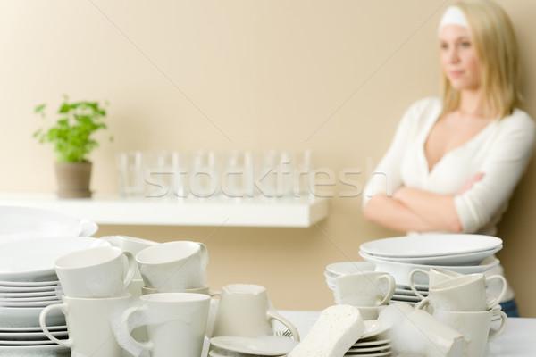 Stok fotoğraf: Modern · mutfak · mutlu · kadın · kırmak
