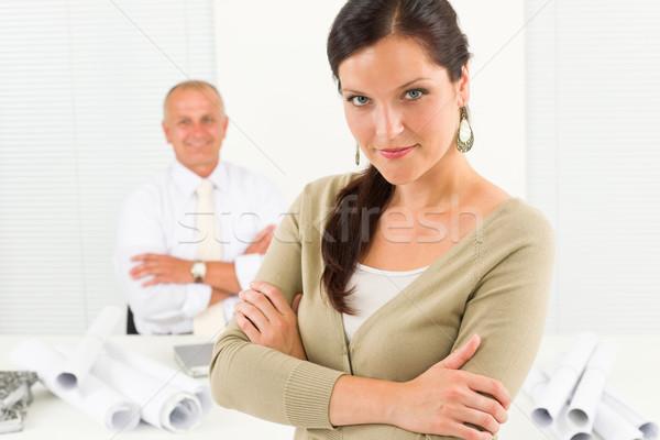 Stock foto: Professionelle · Architekt · Frau · Blaupause · Büro · anziehend