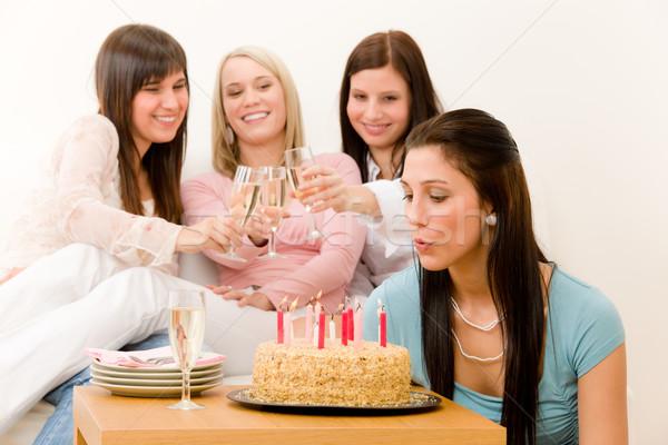 Stok fotoğraf: Doğum · günü · partisi · kadın · mum · kek · şampanya