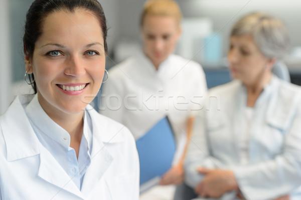 Profissional dentista mulher enfermeira paciente cirurgia dentária Foto stock © CandyboxPhoto