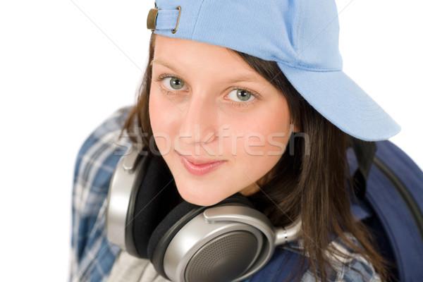 Tinédzser aranyos lány élvezi zene fejhallgató Stock fotó © CandyboxPhoto