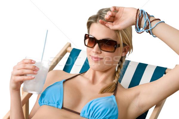 Praia feliz mulher biquíni bebida fria relaxar Foto stock © CandyboxPhoto
