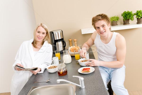 Stockfoto: Ontbijt · gelukkig · paar · eten · granen · drinken