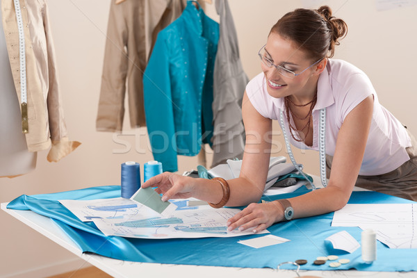 Feminino moda estilista trabalhando estúdio padrão Foto stock © CandyboxPhoto