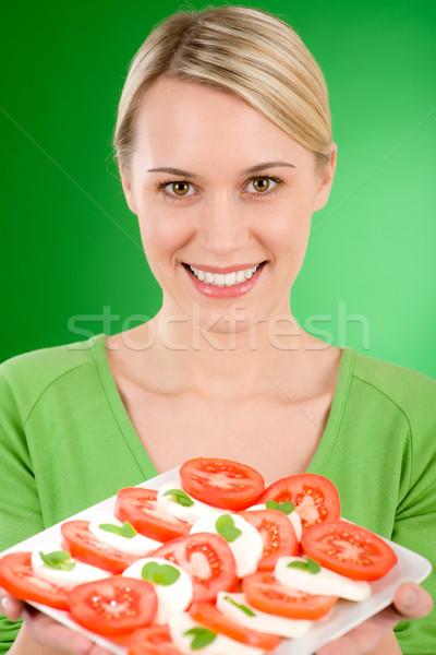женщину салат Капрезе зеленый счастливым молодые Сток-фото © CandyboxPhoto