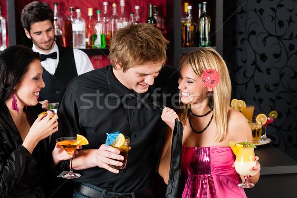 Cóctel bar amigos feliz potable mujer Foto stock © CandyboxPhoto