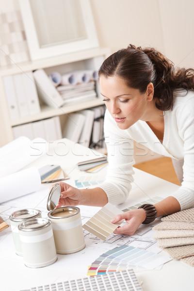 Genç kadın iç mimar ofis boya renk Stok fotoğraf © CandyboxPhoto