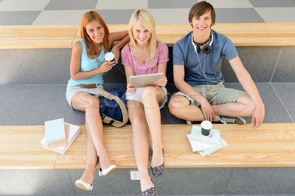 College studenten ontspannen pauze tablet Stockfoto © CandyboxPhoto