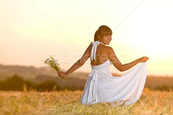 Romántica mujer puesta de sol maíz campo desgaste Foto stock © CandyboxPhoto