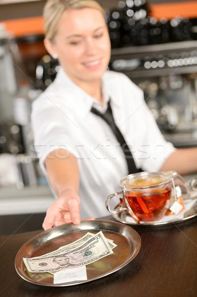 Séduisant serveuse pointe bar usd Photo stock © CandyboxPhoto