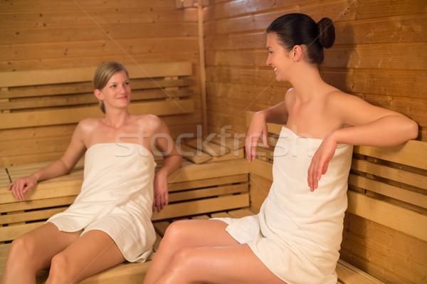 Подружка в бане видео тоже