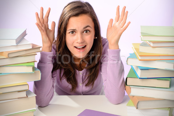 Désespérée étudiant fille livres séance Photo stock © CandyboxPhoto