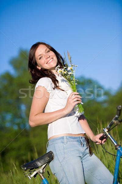 Nő bicikli nyár virág virágcsokor napos idő Stock fotó © CandyboxPhoto