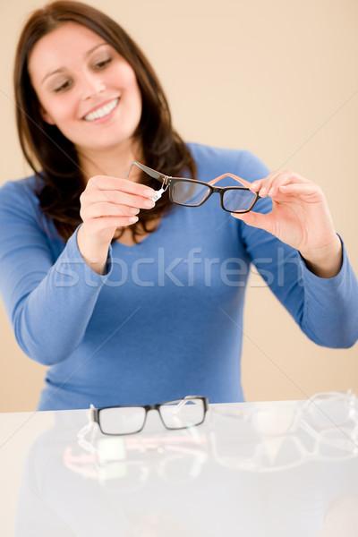 Optyk klienta wybierać recepta okulary portret Zdjęcia stock © CandyboxPhoto