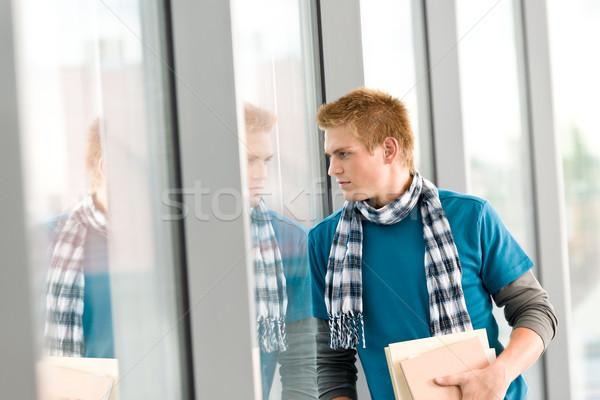 Mężczyzna nastolatek książki stałego nowoczesne Zdjęcia stock © CandyboxPhoto