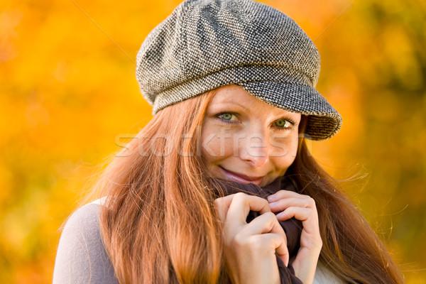 ősz park hosszú vörös haj nő divat Stock fotó © CandyboxPhoto