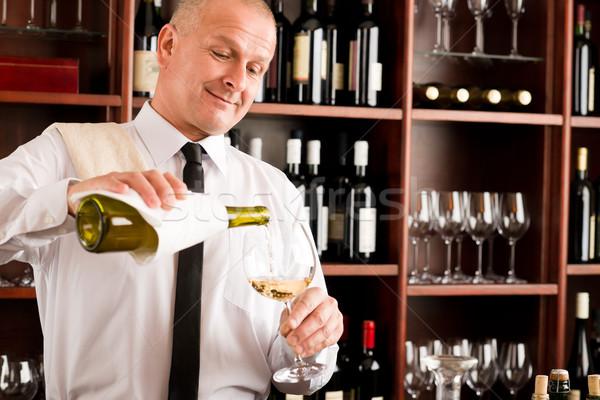 Stockfoto: De · ober · wijnglas · gelukkig · restaurant