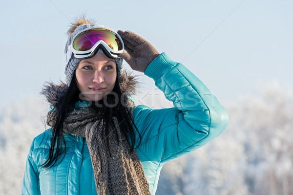 Winter jonge vrouw sneeuw bergen vrouw Stockfoto © CandyboxPhoto