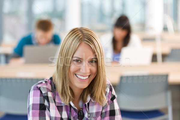 Photo stock: Heureux · souriant · étudiant · étude · classe · Université