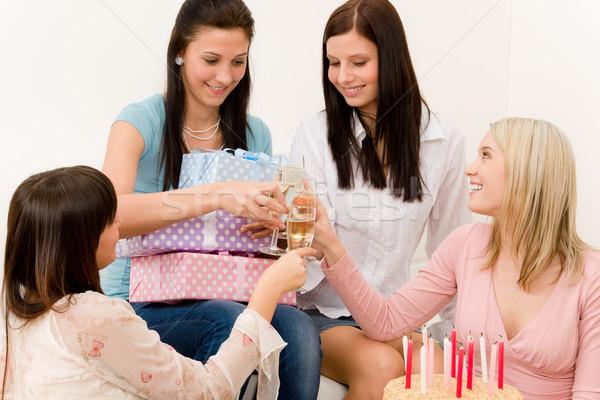 Foto stock: Festa · de · aniversário · mulher · champanhe · festa · feliz