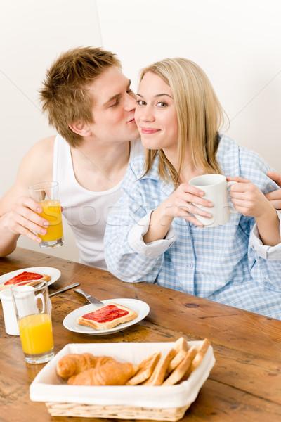 Stockfoto: Ontbijt · gelukkig · paar · genieten · romantische · kus