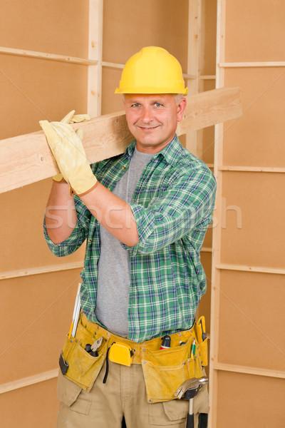 Bricoleur charpentier maturité bois poutre Photo stock © CandyboxPhoto