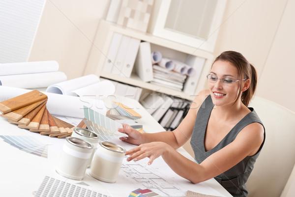 Femenino decorador de interiores de trabajo oficina color Foto stock © CandyboxPhoto