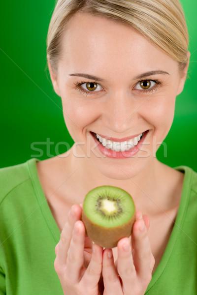 Foto stock: Feliz · mulher · kiwi · verde
