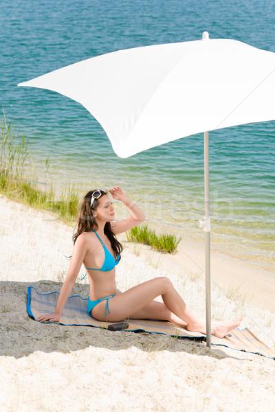 Foto stock: Verano · playa · mujer · azul · bikini · sombrilla