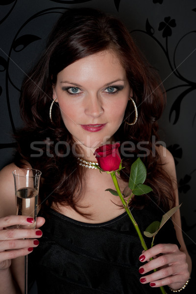 Cocktail party vrouw avondkleding champagne steeg drinken Stockfoto © CandyboxPhoto