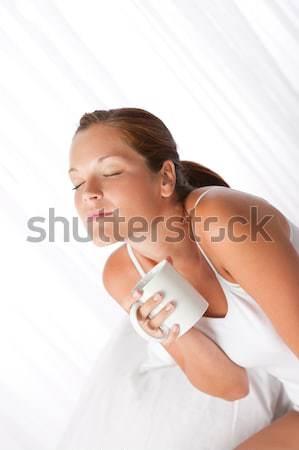 Stok fotoğraf: Vücut · bakım · genç · kadın · beyaz · şişe · losyon