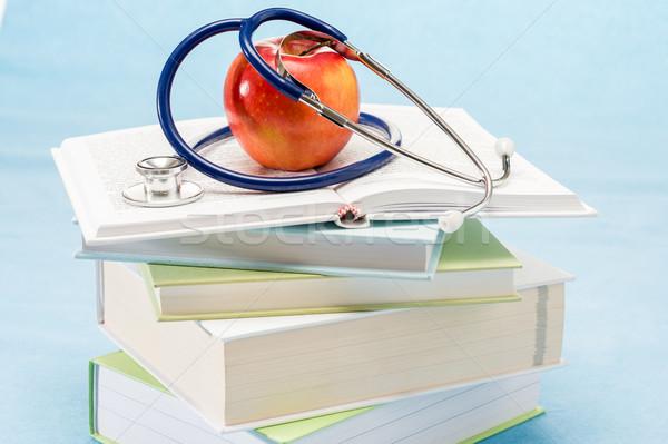 Manzana roja médicos libros estetoscopio manzana Foto stock © CandyboxPhoto