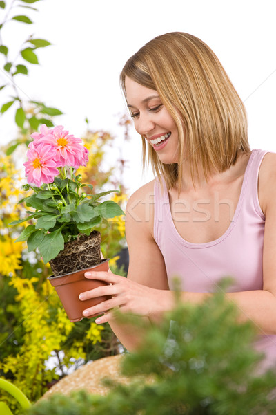 Jardinage heureux femme floraison Photo stock © CandyboxPhoto