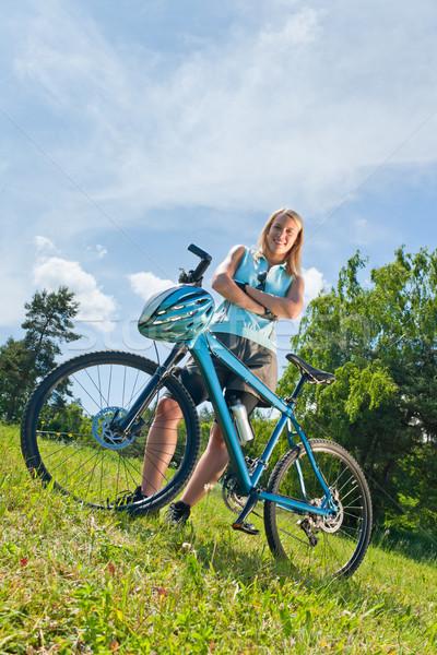 Esportes mountain bike menina relaxar menina feliz Foto stock © CandyboxPhoto