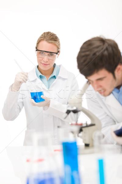 Grypa wirusa eksperyment naukowiec laboratorium mikroskopem Zdjęcia stock © CandyboxPhoto