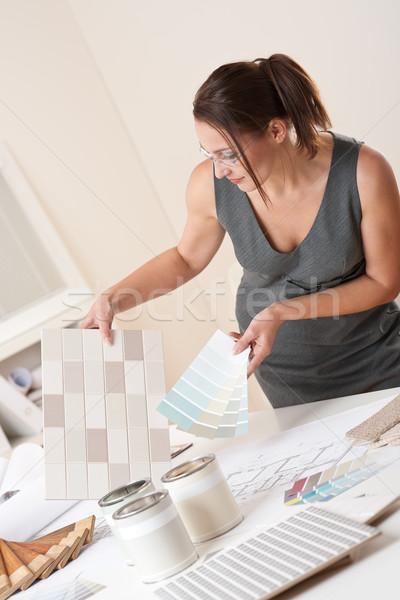 Női belsőépítész dolgozik iroda szín választ Stock fotó © CandyboxPhoto