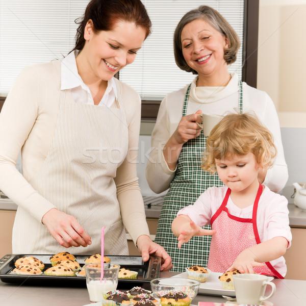 Stok fotoğraf: Aile · kadın · mutfak · büyükanne