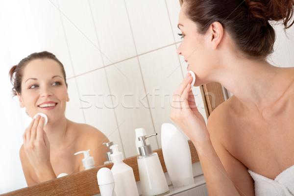 Test törődés fiatal nő takarítás arc fürdőszoba Stock fotó © CandyboxPhoto