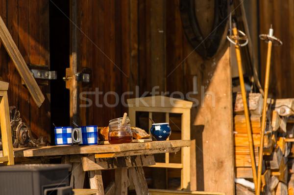 Stockfoto: Tabel · thee · vruchten · brood · buiten · huisje