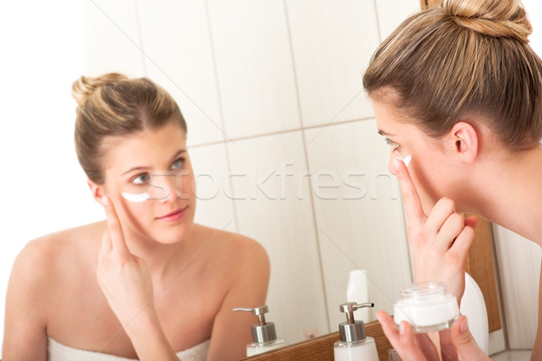 Body care series - woman applying moisturizer Stock photo © CandyboxPhoto