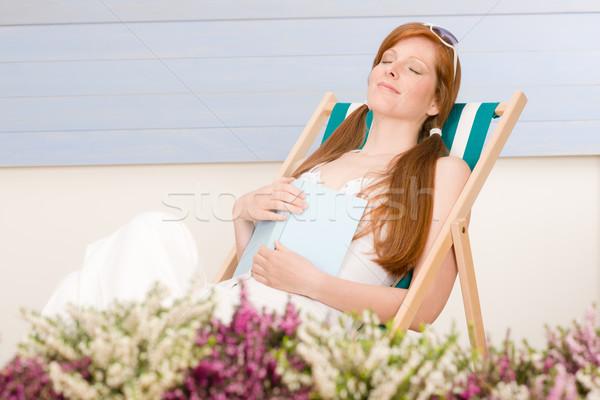 Zomer terras vrouw ontspannen ligstoel Stockfoto © CandyboxPhoto