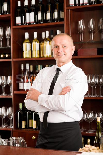 Garçom feliz masculino restaurante posando Foto stock © CandyboxPhoto